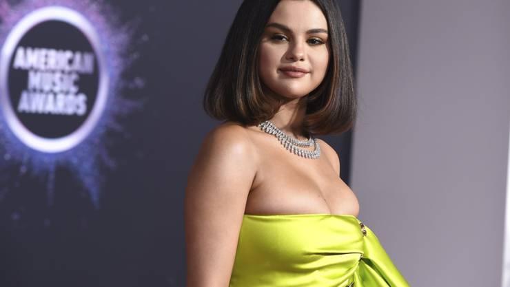 Sängerin Selena Gomez ist glücklich, dass sie trotz Krankheit und Komplikationen bei einer Operation noch am Leben ist. (Archivbild)