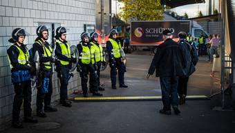 Rund 150 Polizisten und einzelne Szenenkenner in zivil sollen beim Cupspiel FC Wohlen - FCZ im Einsatz gewesen sein.