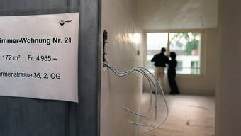 Die Nichtbeachtung des Mietrechts führt dazu, dass Vermieter und institutionelle Anleger unglaublich hohe Renditen von 5 bis 7 Prozent erzielen, kritisiert der Schweizerische Mieterverband (SMV). (Symbolbild)