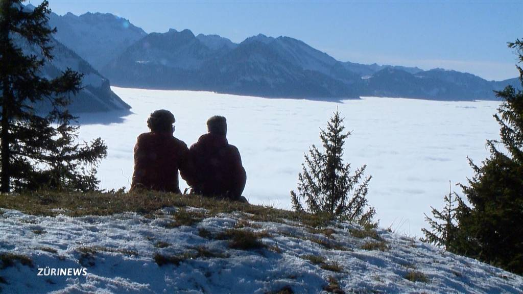 Über dem Nebelmeer: Findige Bergbeizer nutzen tristes Flachland-Wetter für sich