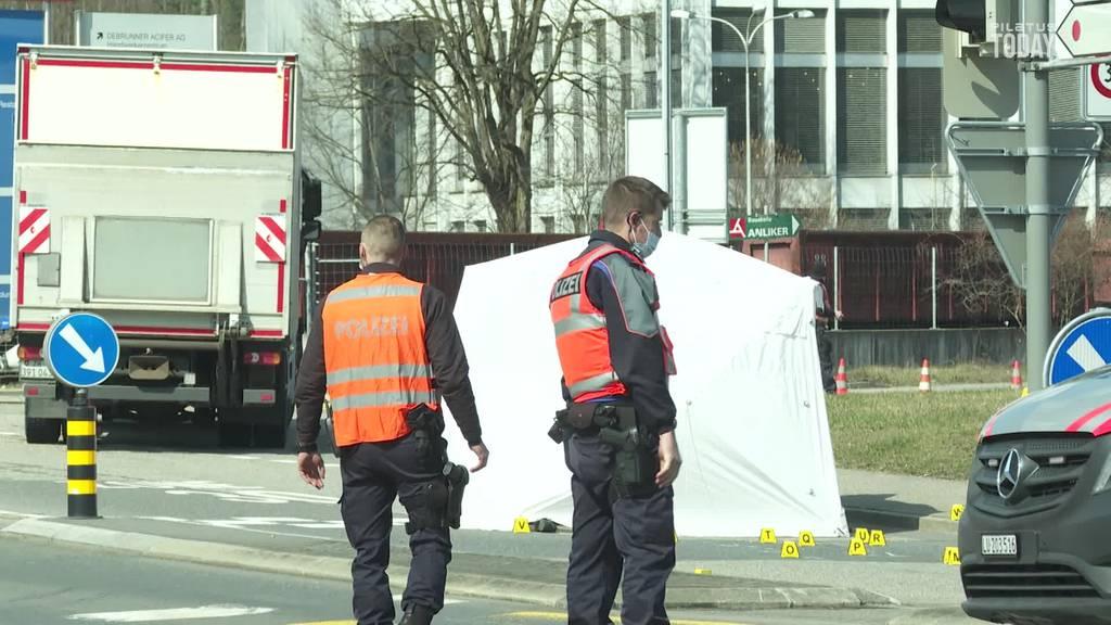 73-jähriger Velofahrer stirbt bei Unfall mit Lastwagen