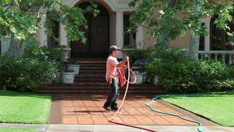 So grün ist der Rasen dieser Villa in Beverly Hills bald nicht mehr: Er darf nur noch zweimal pro Woche gewässert werden.