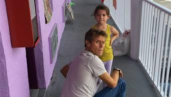 Herausragend: Der für den Oscar nominierte Willem Dafoe spielt einen Motel-Manager, der sich um vernachlässigte Kinder wie Moonee (Brooklyn Prince) kümmert.