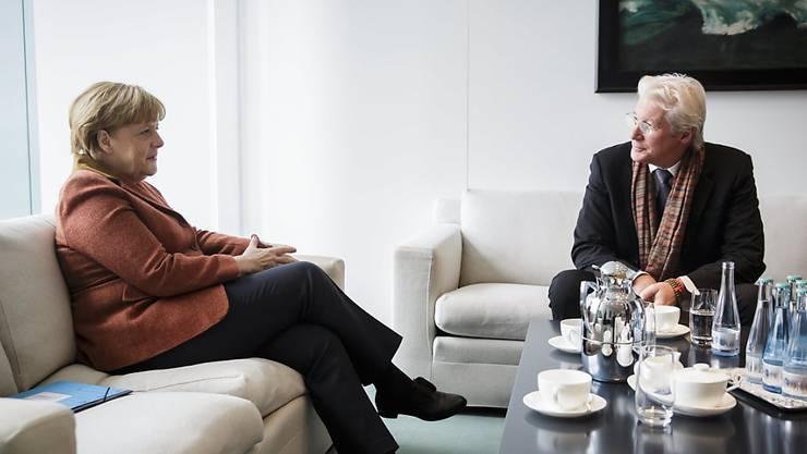 Angela Merkel und Richard Gere plauderten am Donnerstag in Berlin über Tibet. Der Schauspieler weilt wegen der Berlinale in der deutschen Hauptstadt.