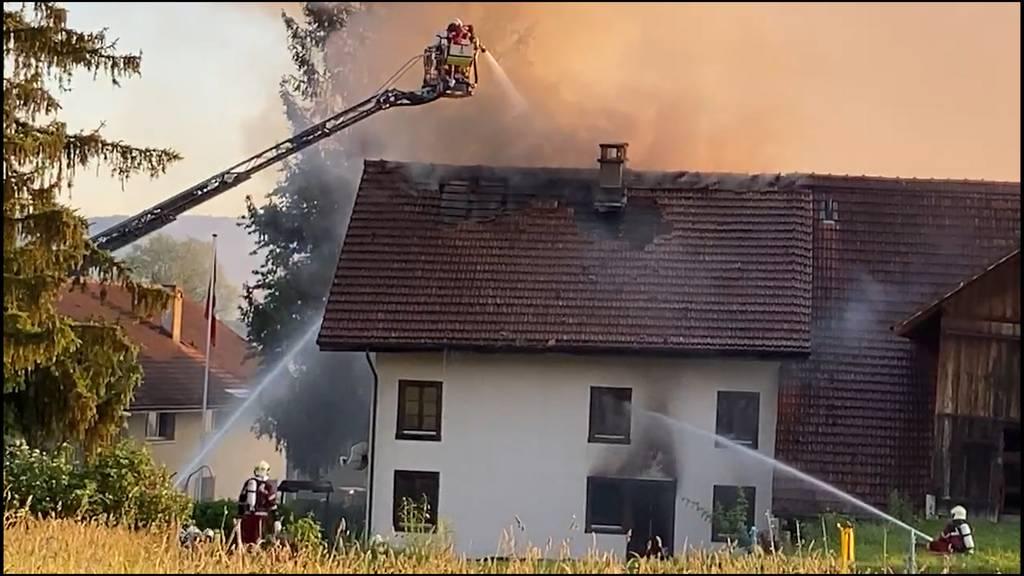 Brand in Bauernhaus fordert Verletzten