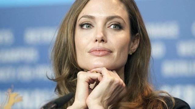 In Angelina Jolies neu eröffneten Mädchenschule in Afghanistan werden bis zu 300 Kinder unterrichtet (Archiv)