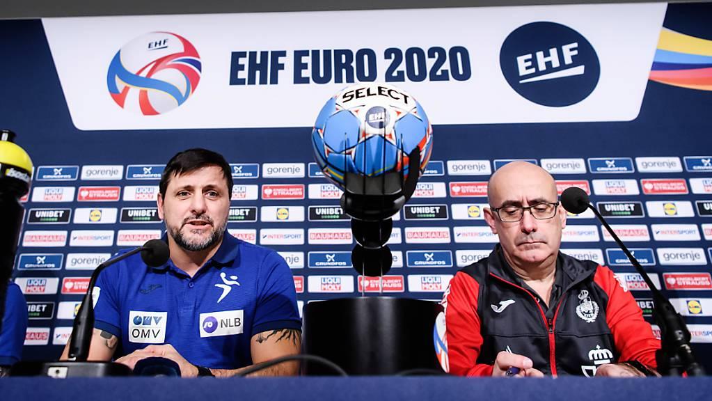 Ljubomir Vranjes (links) fordert mit Slowenien die Spanier von Nationaltrainer Jordi Ribeira heraus.