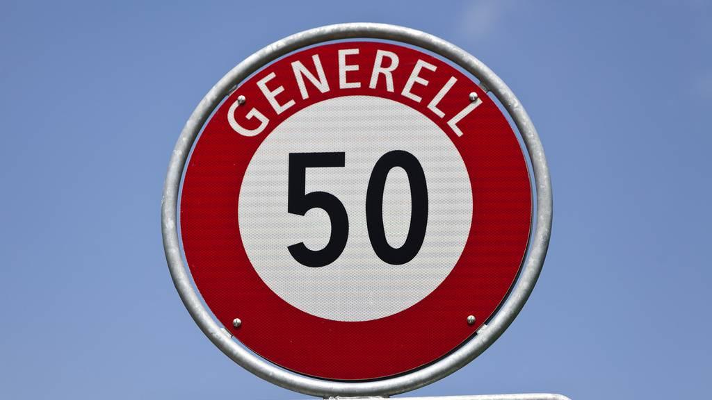 Wer hatte Geburtstag? Vier Tempo-50-Tafeln in Andwil geklaut