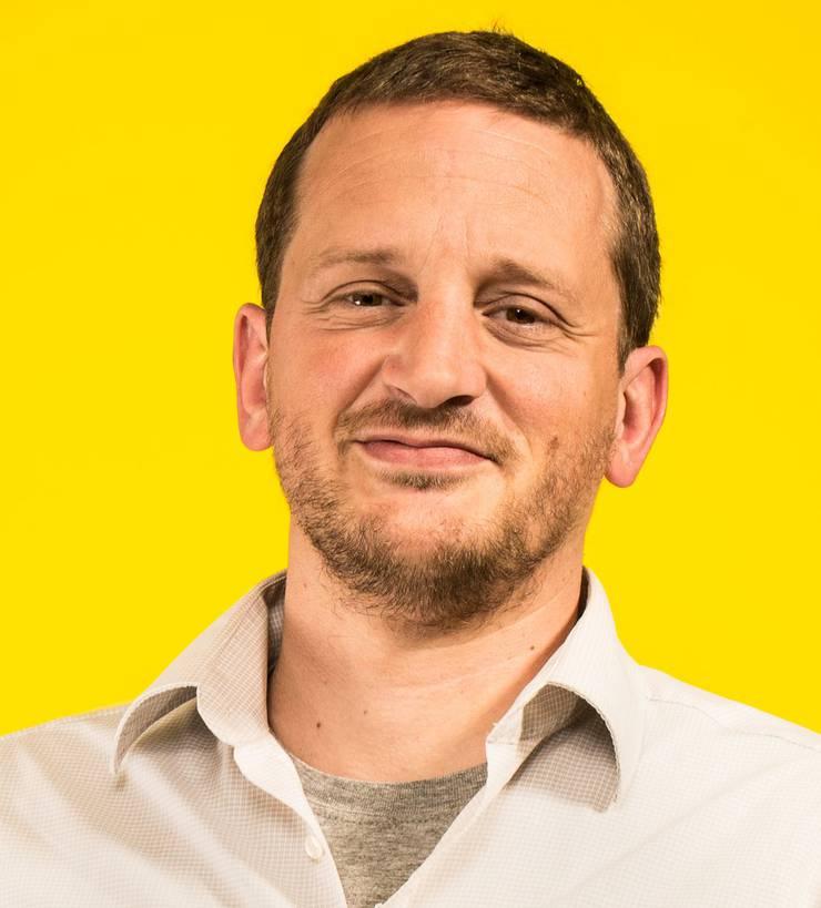 Laurent Sédano ist Programmverantwortlicher für Medienkompetenz bei Pro Juventute.Pro Juventute hat ein Merkblatt ausgearbeitet, das Eltern und Kindern erklärt, worauf sie bei Internetspielen zu achten haben. Internetspiele bieten nicht nur Gefahren. Sie machen auch viel Spass.