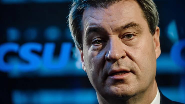 Nach der Rücktrittsankündigung von CSU-Chef Horst Seehofer steht Markus Söder als Nachfolger praktisch fest: Der bayerische Ministerpräsident kündigte offiziell seine Kandidatur an.