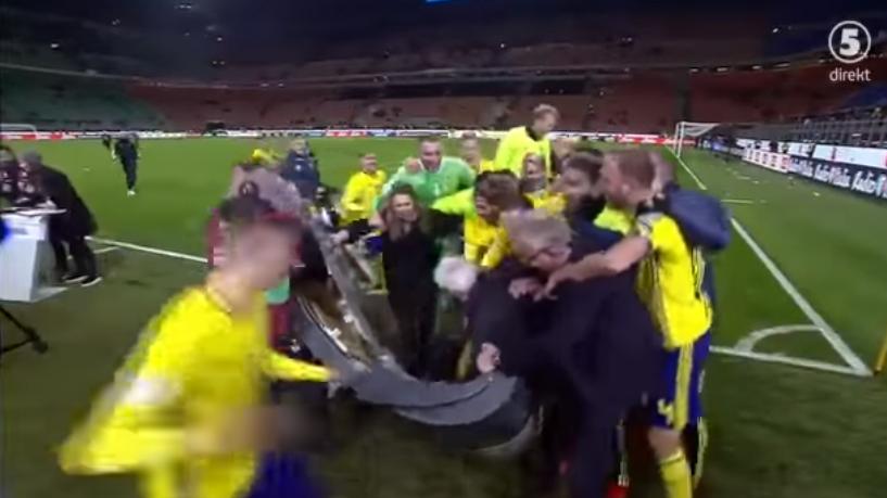 Nach sensationeller WM-Quali gegen Italien: Schweden jubeln TV-Pult kaputt