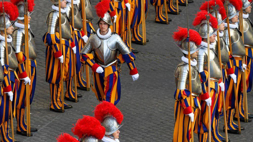 Schweizergardisten bei ihrer Vereidigung im Vatikan im Mai 2017.
