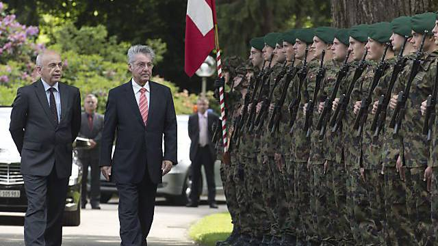 Bundespräsident Maurer (l) und Österreichs Bundespräsident Fischer