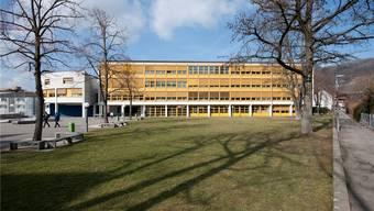 Schulhaus Zehntenhof in Wettingen: Hier spielte der Lehrer mit seinen Oberstufenschülern Strip-Poker