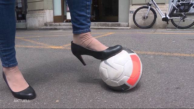 Fussballregel-Kurse nur für Frauen: Sinnvoll oder sexistisch?