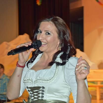 Monika Schär beim Auftritt mit der Musikgesellschaft Staffelbach.