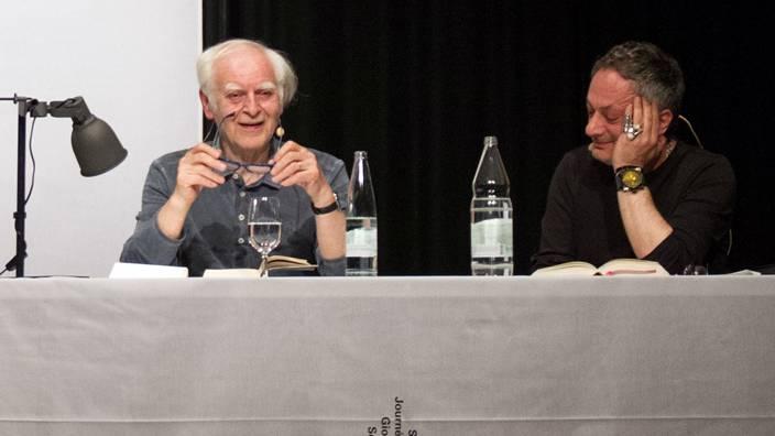 Glich eher einem gelehrten Vortrag denn einem Dialog: das Gespräch mit Adolf Muschg (l.) und Feridun Zaimoglu. ©Jerlyn Heinzen