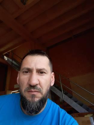 Adnan Hasanovic, 41, aus Potocari, heute in Horw (LU).