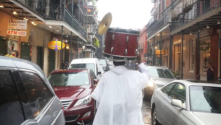 """Der dritte Wirbelsturm innerhalb von sechs Wochen: Die Jazz-Metropole New Orleans bereitet sich auf viel Wind und Wasser durch Hurrikan """"Nate"""" vor."""