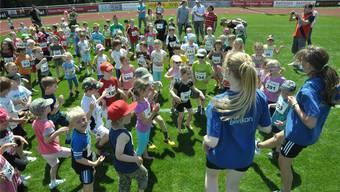 Höhepunkt 2012: Das grosse Eröffnungsfest des Mutscheller Sport-, Freizeit- und Begegnungszentrums Anfang Juni hielt auch Kleine auf Trab. Archiv/Samuel Schumacher