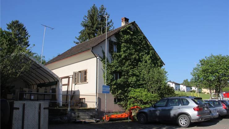 Anstelle dieses Hauses hat Jürg Müller AG eine Werkstatthalle geplant.