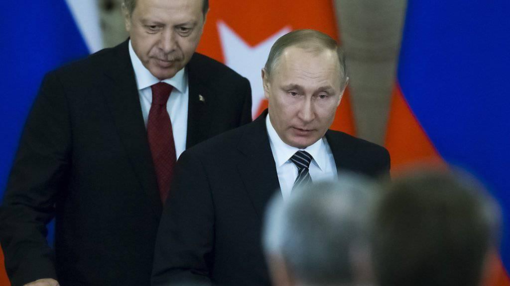 Die gestörten bilateralen Beziehungen sind wieder eingerenkt: der türkische Präsident Recep Tayyip Erdogan (links) zu Gast bei seinem russischen Amtskollegen Wladimir Putin in Moskau.