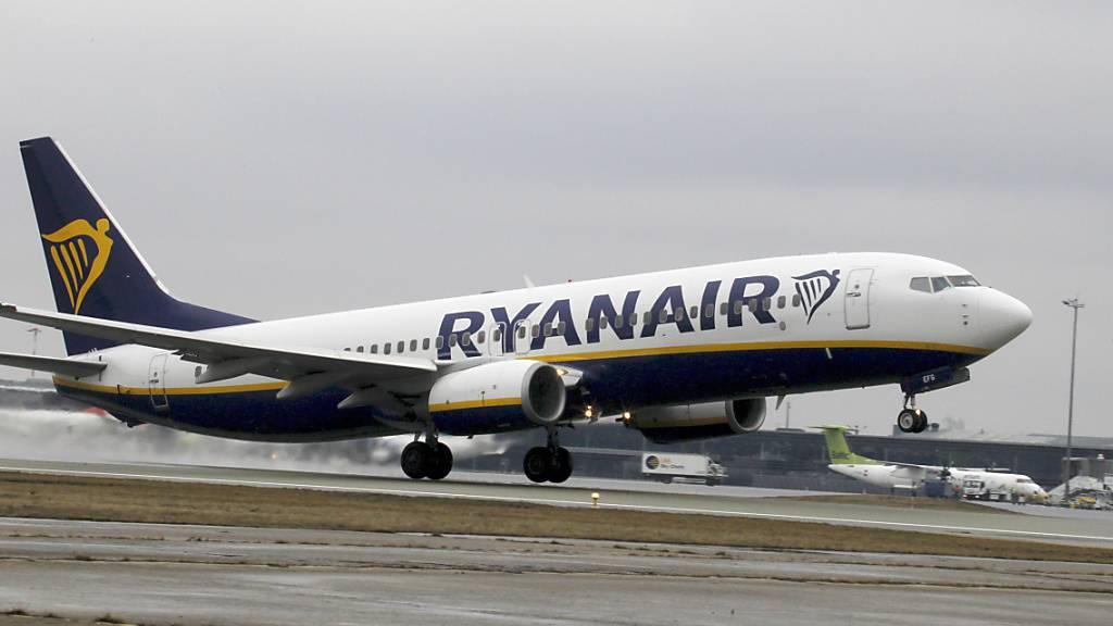Das Flugverbot für die Boeing 737 Max hält Ryanair zurück: Weil die Auslieferung der Maschinen weiter auf sich warten lässt, rechnet Ryanair im kommenden Jahr mit dem geringsten Passagierwachstum seit Jahren. (Themenbild)