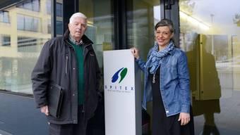 Spitex-Präsident Rolf Dysli und Geschäftsführerin Cristina Pitschen vor der Spitex-Basis am Girardplatz.
