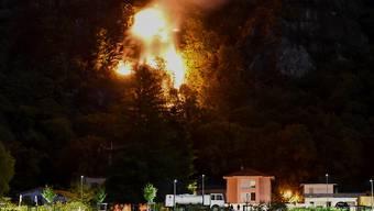 Wegen der anhaltenden Trockenheit herrscht in weiten Teilen des Kantons Tessin ein absolutes Feuerverbot im Freien. (Archivbild)