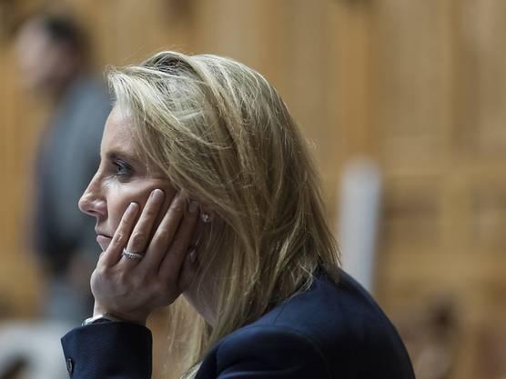 Die Genfer SVP-Nationalrätin Céline Amaudruz ist im Kanton Genf im Dezember 2016 alkoholisiert Auto gefahren und von der Polizei erwischt worden. Im Blut wurde ihr 1,92 Promille nachgewiesen.