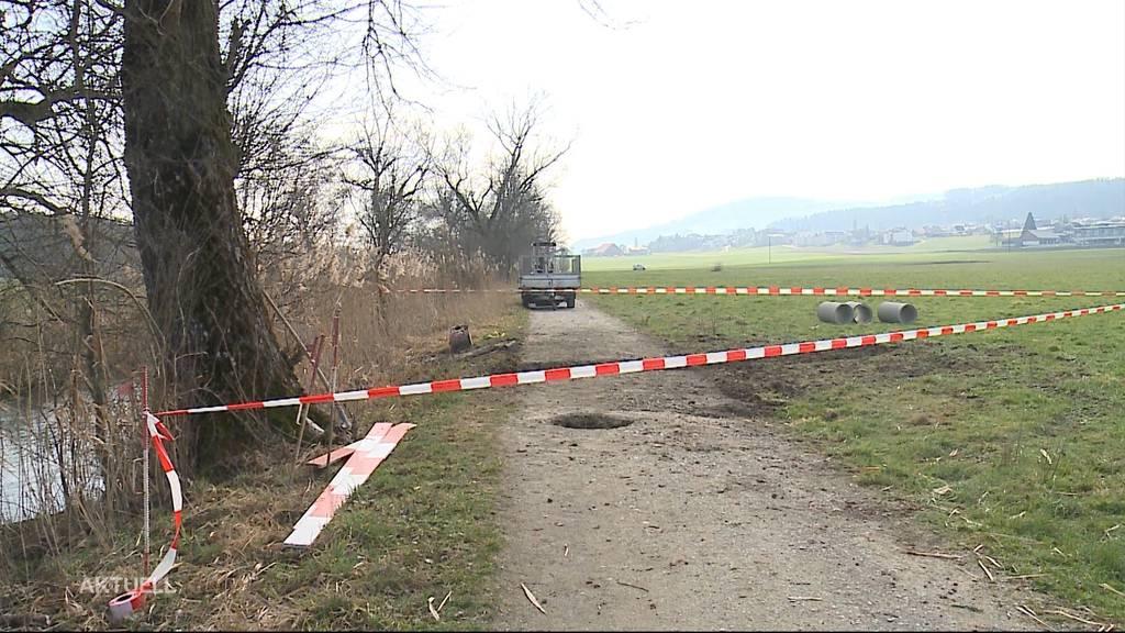 «Achtung Loch» - Strassensperre wegen Biber in Seon AG