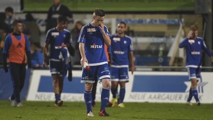 Enttäuschte Wohler um Captain Alain Schultz nach der Derbyniederlage.