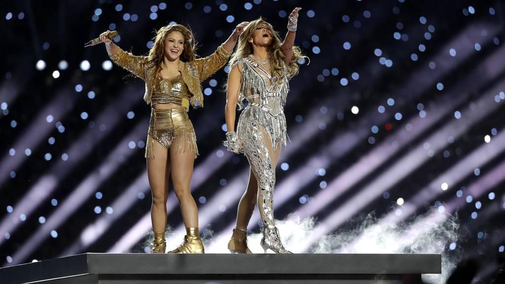 JLo und Shakira begeistern mit Latinoshow beim Super Bowl