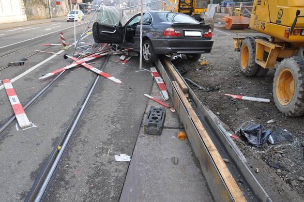 Der Beifahrer wurde beim Unfall schwer verletzt.