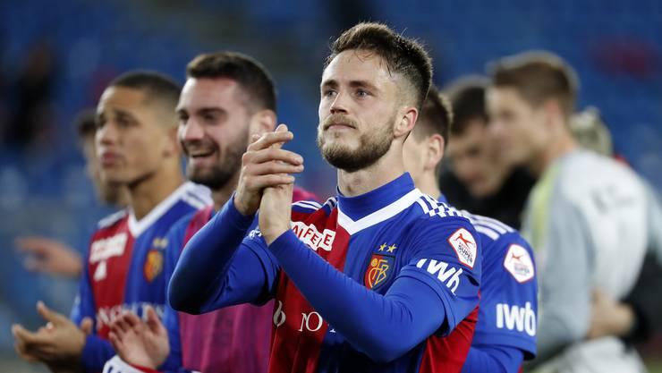 Torschütze Ricky van Wolfswinkel freut sich mit seinem Team über den 2:1-Sieg gegen den FC Sion und einen versönlichen Jahresabschluss.