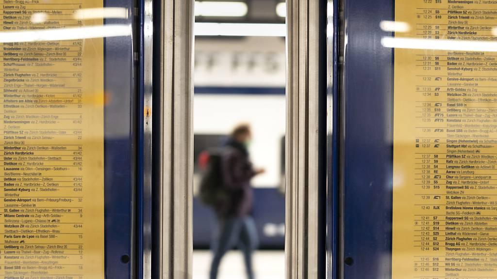 Mit der Einführung der Homeoffice-Pflicht brachen die Passagierzahlen ein. (Symbolbild)