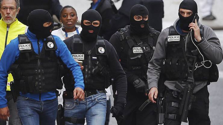 Französische Spezialeinheiten nach dem Einsatz in Saint-Denis.