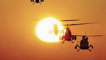 Eine der bekanntesten Filmszenen, die mit Richard Wagners Musik unterlegt ist: Der Angriff mit US-Helikoptern auf ein vietnamesisches Dorf, das aus Lautsprechern beschallt wird mit dem Schlachtruf der berittenen Geisterwesen aus der Oper «Die Walküre».