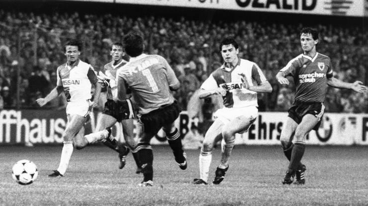 Sforza (mitte) am Anfang seiner Karriere: 1988 spielt er für den Grasshopper Club Zürich.