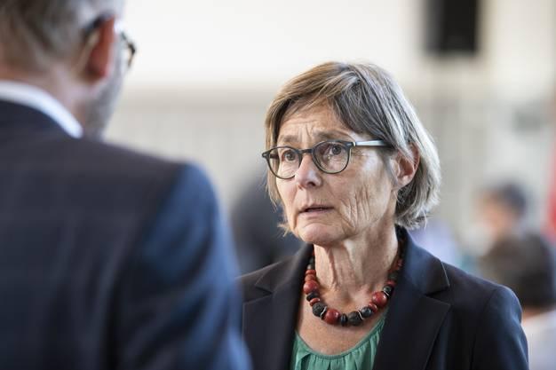 Die Schaffhauser SP-Nationalrätin Martina Munz macht ebenfalls ein langes Gesicht.