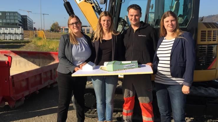 Das Recycling-Paradies realisiert Bertisch zusammen mit ihren Geschwistern Sabine Frei-Bertschi (31), Daniel Bertschi (29) und Olivia Bertschi (24, v. l.).