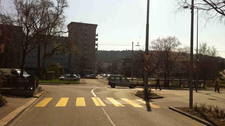 Wird die Ausfahrt aus der Bahnhofstrasse Schlieren in den späteren Kreisel gesperrt?