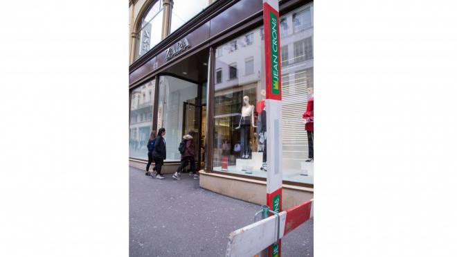 Die Zara-Filiale bekommt bald Gesellschaft aus demselben Konzern: Links nebenan eröffnet im Sommer an der Freien Strasse 38 Zara Home, die Heimtextilmarke von Inditex. Foto: Nicole Nars-Zimmer