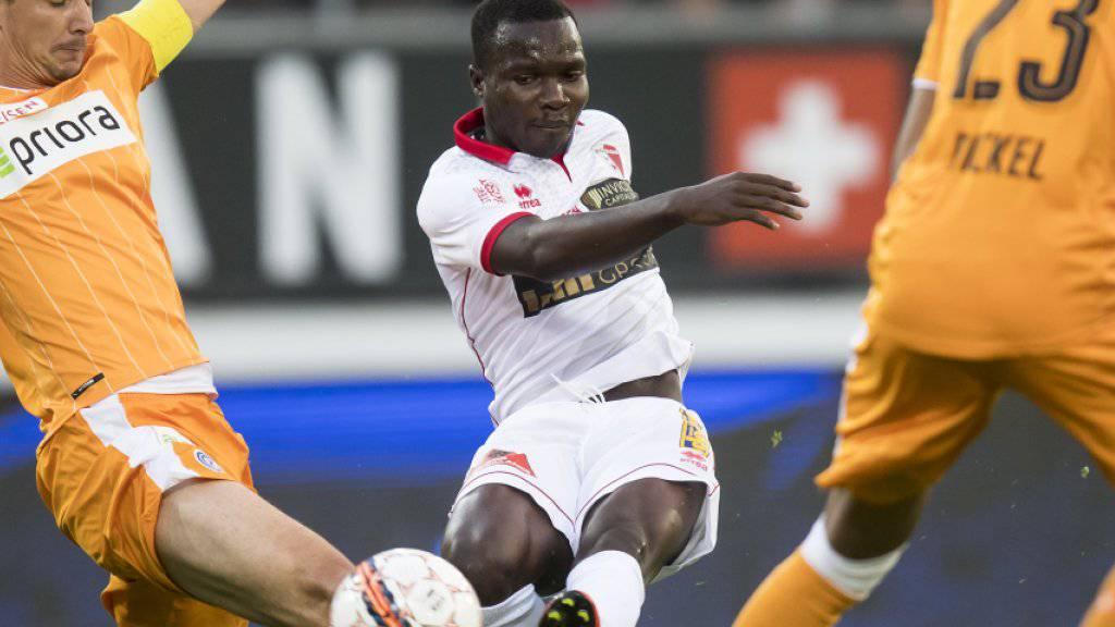 Der Sittener Chadrac Akolo geht nun in der Bundesliga für Stuttgart auf Torjagd