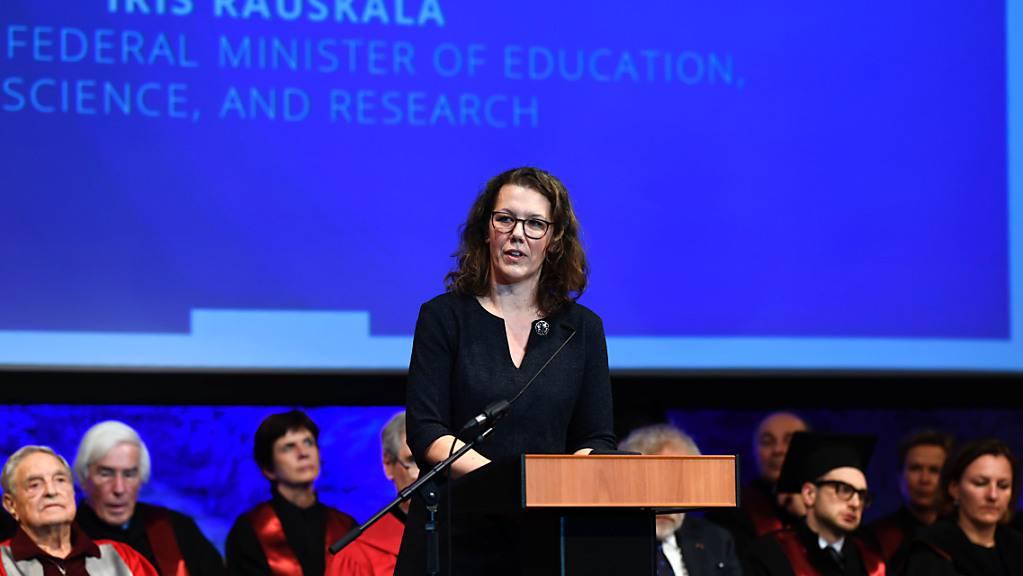 Österreichs Wissenschaftsministerin Iris Rauskala begründete die Ablehnung des Euratom-Programms ihres Landes damit, dass «man versucht, CO2-Reduktionen beziehungsweise die Energiewende in Europa durch vermehrten Einsatz von Atomenergie herbeizuführen.» (Archivbild)