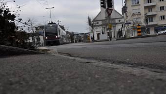 Im Oktober 2013 kam es in Dietikon zur Kollision zwischen einem Zug der Bremgarten-Dietikon-Bahn und einem Traktor. (Symbolbild)