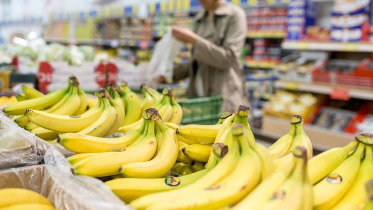 Food Waste beginnt bereits beim Einkaufen: Kauft der Konsument zu viel, verderben die Produkte zu Hause.