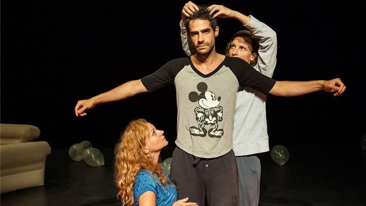 Wanda Wylowa, Miro Caltagirone und Sarah Bahr (v.l.) sind die drei Performer in «Twenty four».