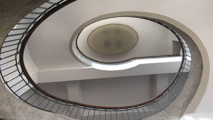 Schwungvolles Treppenhaus von Henry van de Velde in der heutigen Bauhaus-Universität Weimar