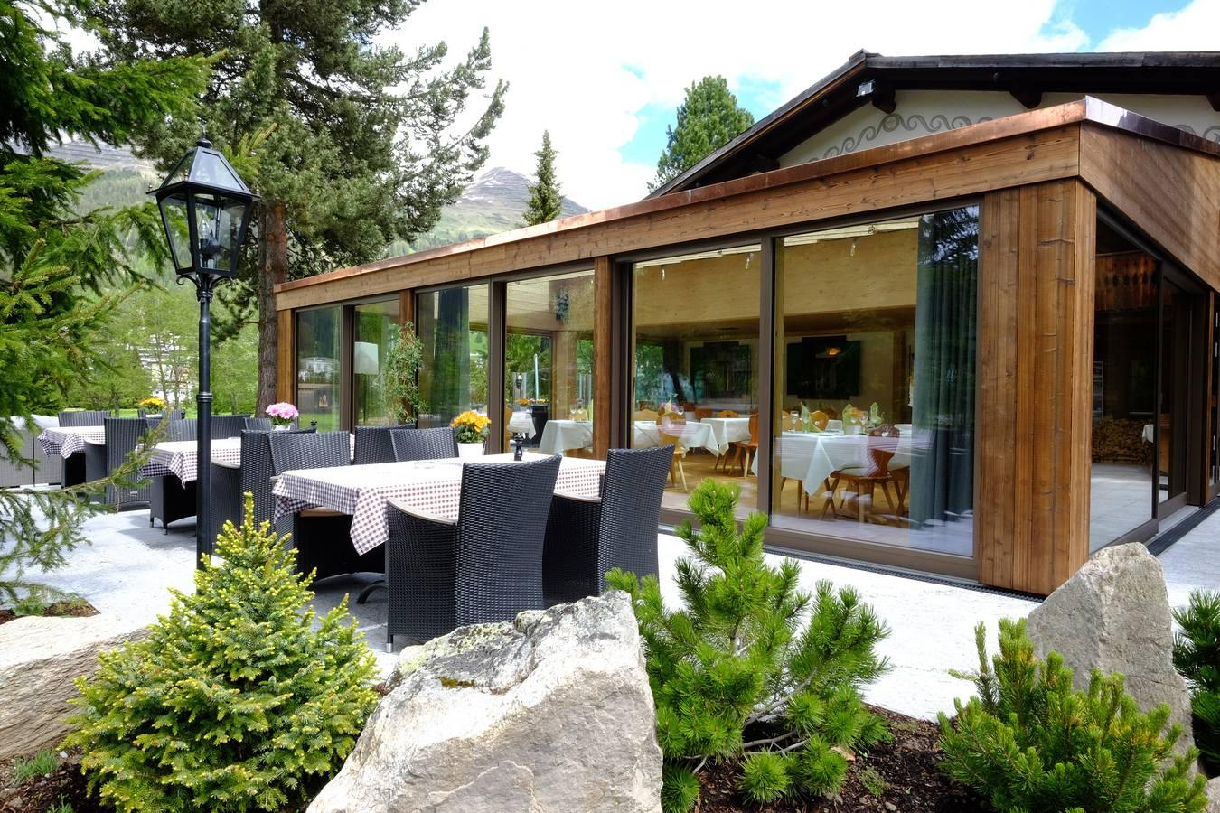 Das Clubhouse Restaurant des Golfclubs Davos (© zVg)